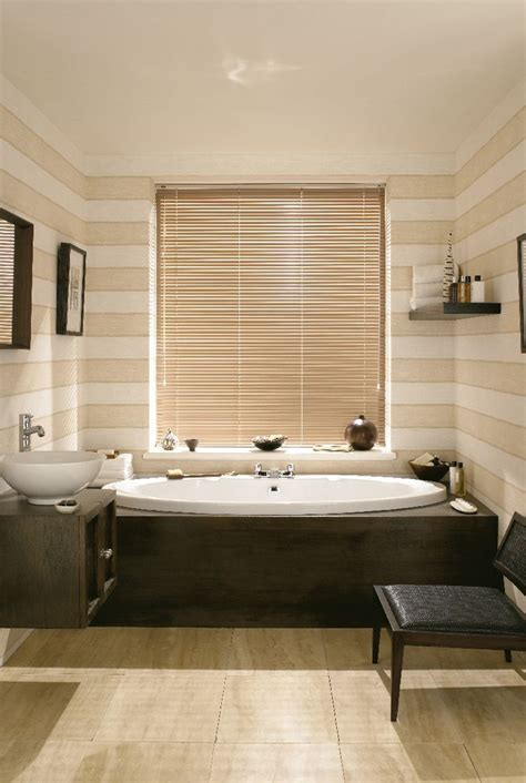 venetian bathroom blinds 17 best images about venetian blinds on pinterest