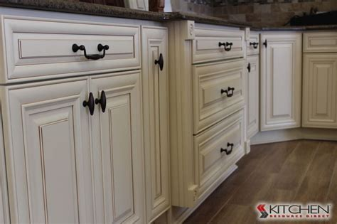 discount white kitchen cabinets best 25 discount kitchen cabinets ideas on