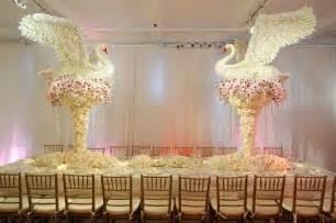 centerpieces for wedding tables 25 striking wedding centerpieces creativefan