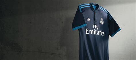 Calendrier Liga 2015 16 Real Madrid D 233 Couvrez Le Maillot Du Real Madrid Pour La Saison 2015 16