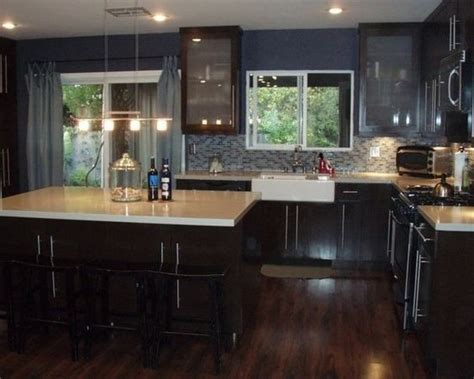 Wood Cabinets With Black Appliances by Pictures Of Kitchens With Cherry Cabinets Floors