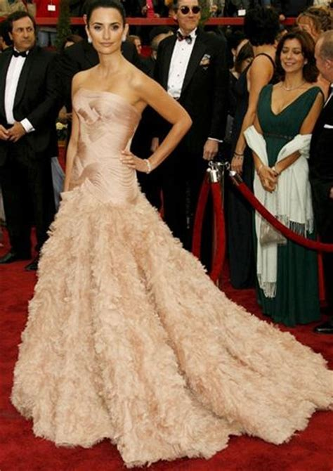 Dresses Ruled At The Oscars Get The Look For Less by 5 Best Carpet Looks Of All Time