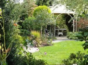 gartengestaltung für kleine gärten chestha kleiner garten idee