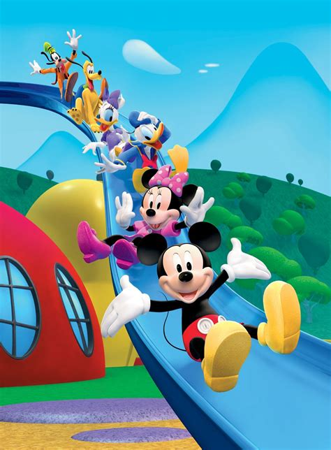 mickey club house back to front goofy pluto daisy duck donald duck minnie mouse mickey mouse