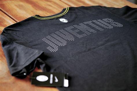 T Shirt Nike Forza Juve nike t shirts on pantone canvas gallery