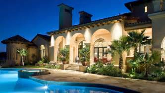 15 dramatic landscape lighting ideas home design lover