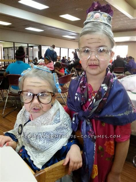 easy ways to make a man look like a woman ehow simple and easy 100 year old lady costume