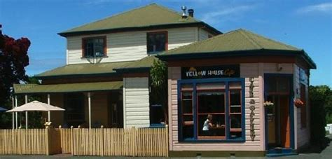 yellow house restaurant 301 moved permanently