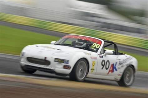 courtesy mazda henderson brscc mazda mx 5 supercup news mk3 mazda mx 5 racing