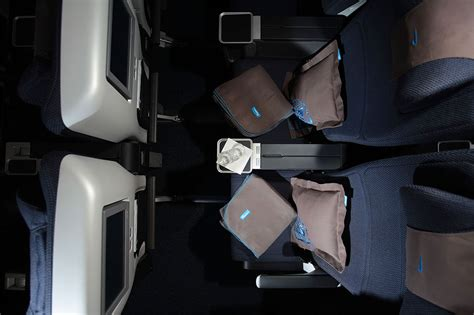 Wheelchair For Cabin Seat by Traveling With A Wheelchair On Airways