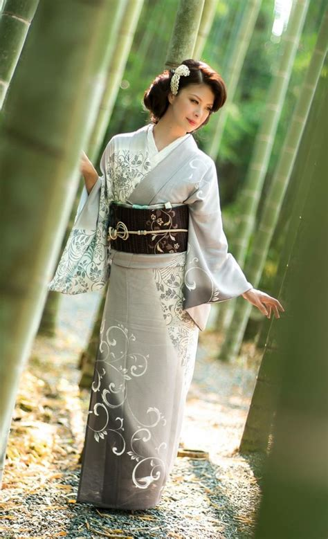 Traditional Kimono Dress best 25 japanese clothing ideas on clothes in
