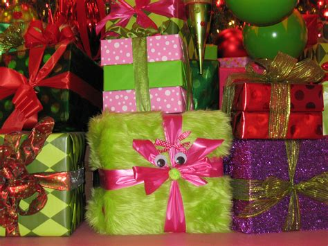 gift wrapped presents gift wrapping ideas reindeer dreams