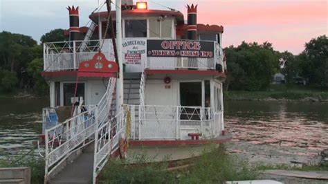 paddle boat winnipeg paddlewheel princess owner puts boat up for sale ctv