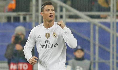 official psg signs cristiano ronaldo for e100million man united blow as cristiano ronaldo makes transfer
