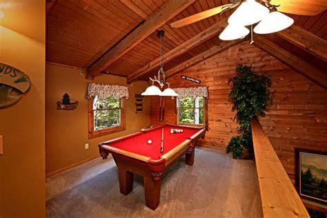 honeysuckle home 1 bedroom cabin rental in pigeon forge private 3 bedroom cabin in pigeon forge