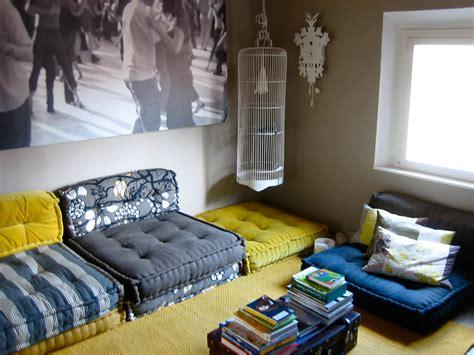 divano cuscinoni da un materasso a un divano a cuscini trapuntati