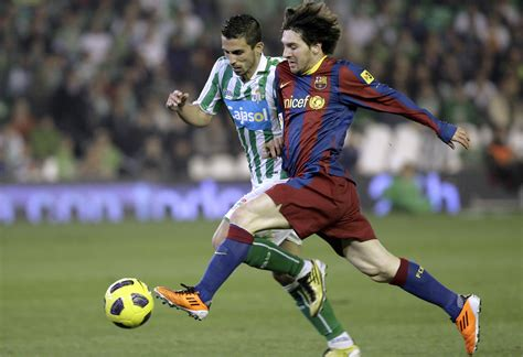 soccer 2012 record lionel messi breaks soccer scoring record only a
