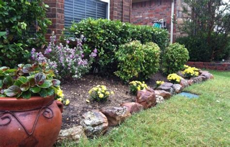 Rock Garden With Potted Plants 25 Rock Garden Designs Landscaping Ideas For Front Yard Home And Gardens