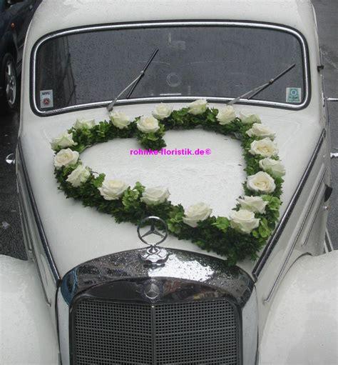 Vintage Hochzeitsschmuck by Ein Hochzeitsauto Braucht Blumen