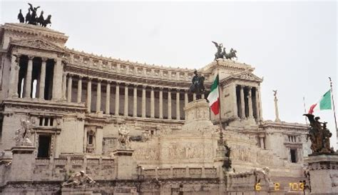 roman senate house laurie s study abroad trip