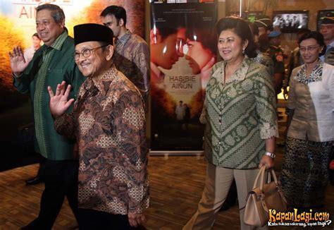 film indonesia habibie bj habibie ajarkan 3 cinta lewat habibie ainun