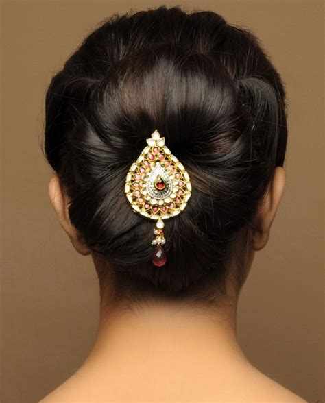 Indian Wedding Hairstyles Buns by 21 Gorgeous Indian Bridal Hairstyles Zuri