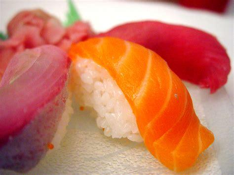 Salmon Sushi file salmon sushi cut jpg