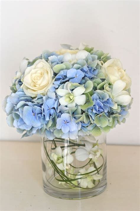 blue hydrangea centerpiece hydrangea centerpiece hydrangeas are blue pink white