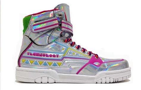 The Press The Tech Headlines Shiny Shiny 11 by Sneaker Mania Tra Lusso E Warhol Corriere It