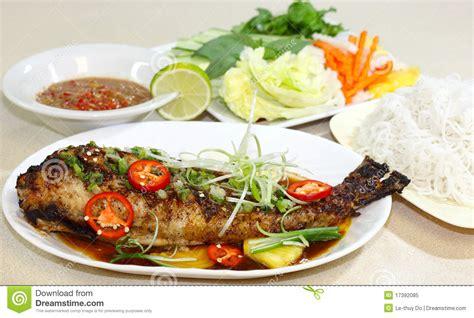 poissons cuisine poisson cuit au four photo libre de droits image