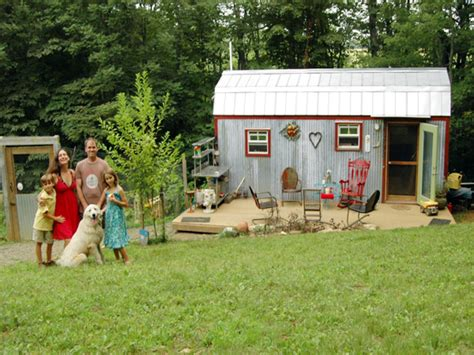 tiny houses for families small family tree families living in small houses very