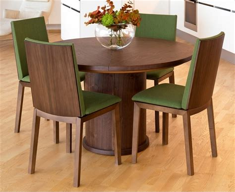 Circular Dining Room Table Trendy Expandable Dining Table By Skovby Digsdigs