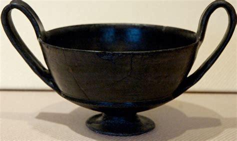 vasi etruschi buccheri gubbio capitale bucchero
