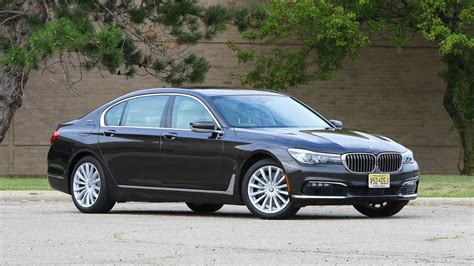 2019 bmw ev 2019 bmw 745e phev will allegedly 390 hp longer ev range