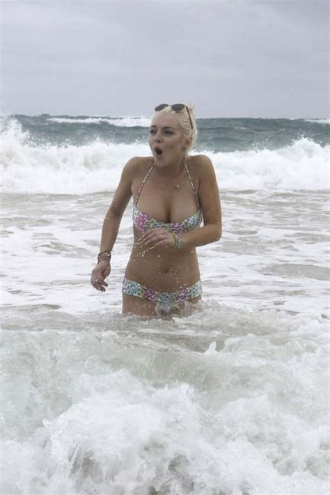 Lohan Nip Slip by Lindsay Lohan Slip Addictedtocelebs
