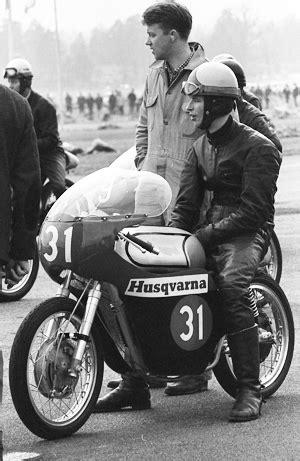 125ccm Motorrad Rennen by Road Racing 1966