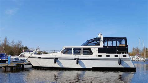 motorboot jacht motorboot linda tot 10 personen huren in friesland yachts4u