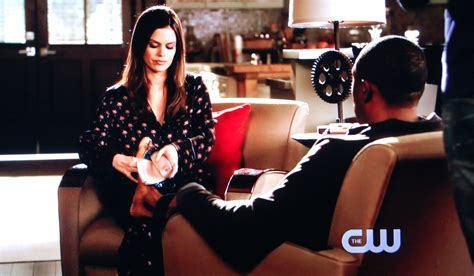Zoe Delusional by Hart Of Dixie Episode 20 Quot The Race And The Relationship Quot