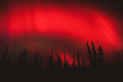 how does the aurora borealis (the northern lights) work