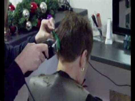 ladies barbershop haircut videos haircut lady visits barber shop youtube