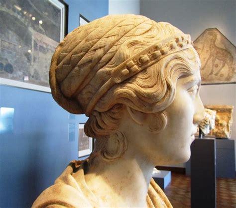 ancient roman women hairstyles 35 best greek hairstyles images on pinterest roman