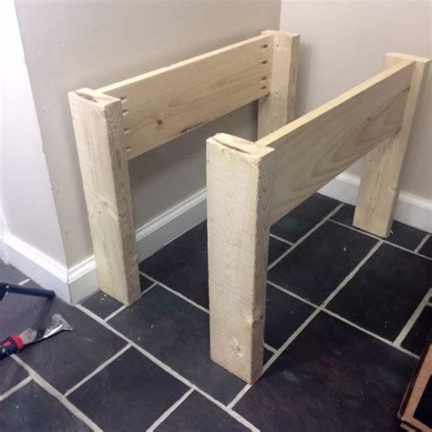 pallet wood entryway bench