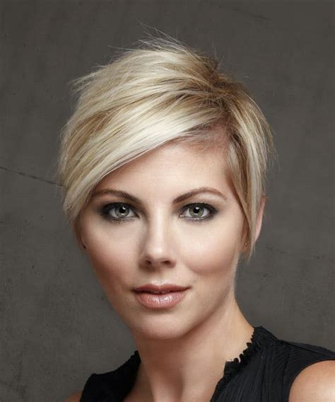 front view of side swept hairstyles short straight casual pixie hairstyle with side swept