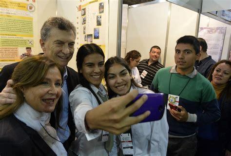 ayuda escolar 2016 buenos aires macri visit 243 la feria internacional de emprendedorismo