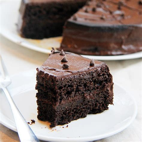 mix it up chocolate layer cake with peanut butter banana