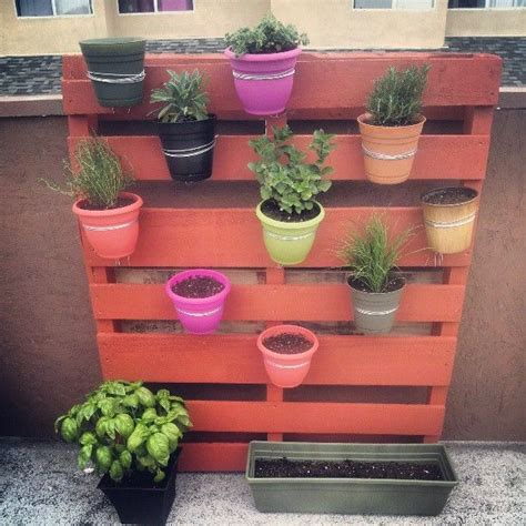 Diy Vertical Pallet Garden Wonderful Diy Vertical Pallet Garden