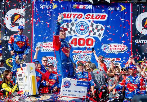 nascar jimmie johnson wins kevin harvick   auto club  press enterprise