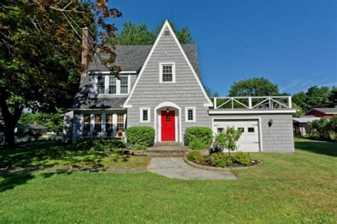 house of the week house of the week tudor cottage in glenville times
