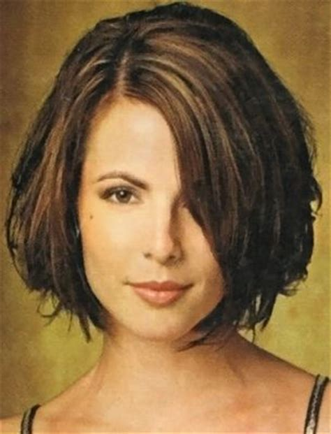 chinlength wavy sidepart hairstyles side fringe short bob hairstyles and short bobs on pinterest
