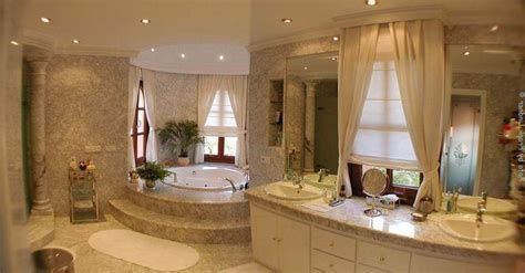 Double Master Suite House Plans by Luxury Bathroom Design Http Www Interior Design Mag